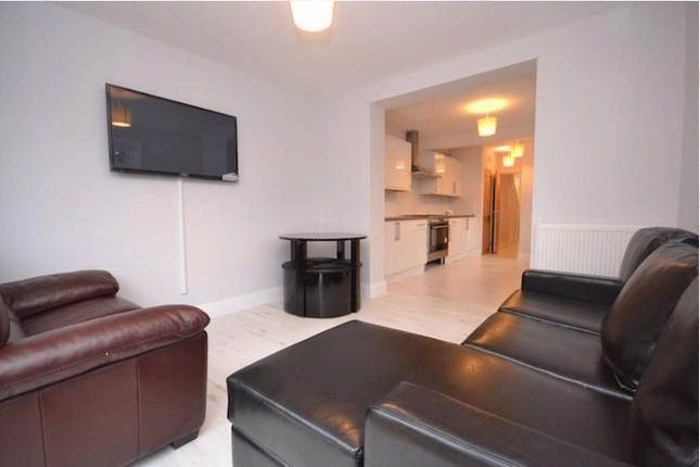 Thumbnail Terraced house to rent in Palmer Park Avenue, Reading