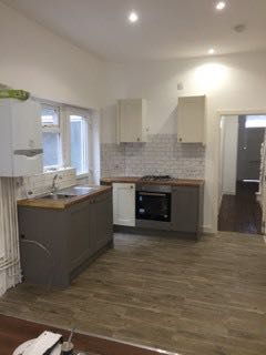 Thumbnail Semi-detached house to rent in Berkely Avenue, Manchester