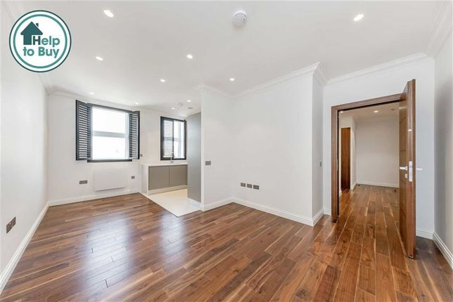 Thumbnail Flat for sale in Mercers Road, London