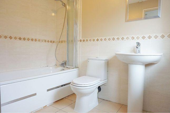Family Bathroom of Ash Tree Walk, Basildon SS14