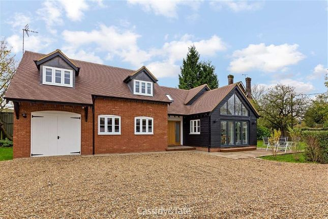 Thumbnail Detached house for sale in London Road, Tring, Hertfordshire