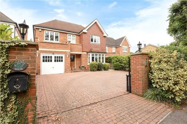 5 bed detached house for sale in Northcroft Close, Englefield Green, Egham