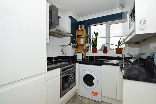 1 bed flat for sale in Erith Road, Northumberland Heath, Kent DA8