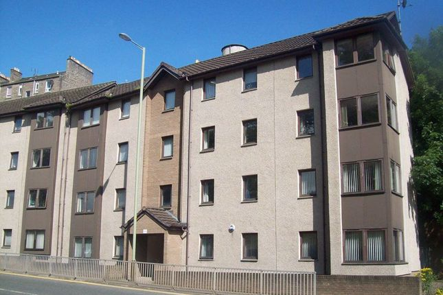 Thumbnail Flat to rent in Lochee Road, Dundee