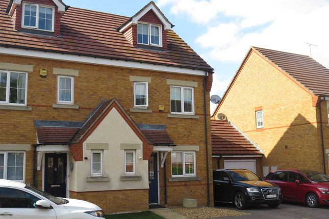 Thumbnail Semi-detached house for sale in Brook Close, Dunstable