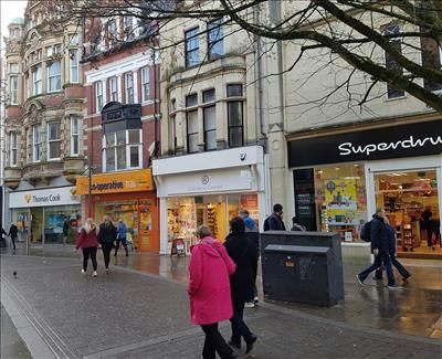 Thumbnail Retail premises to let in 146 Commercial Street, Newport