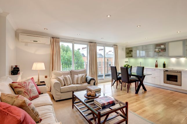 Photos of Nevern Square, London SW5