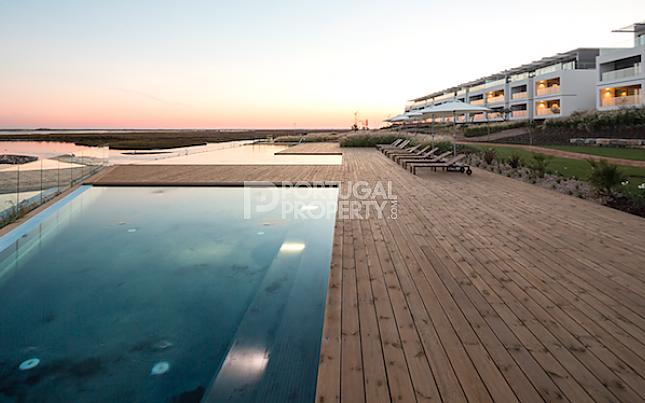 2 bed apartment for sale in Fuzeta, Algarve, Portugal