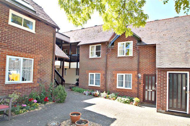Thumbnail Flat to rent in Rooks Lane, Thame