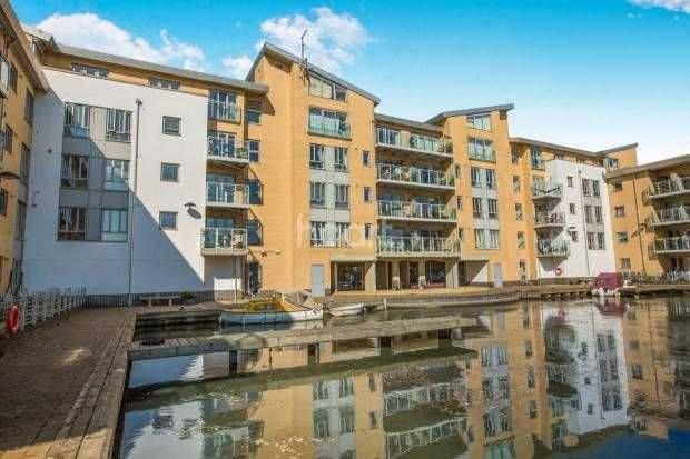 Thumbnail Flat for sale in Lockside Marina, Chelmsford