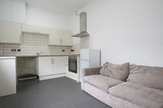 Flat to rent in Brithdir Street, Cardiff