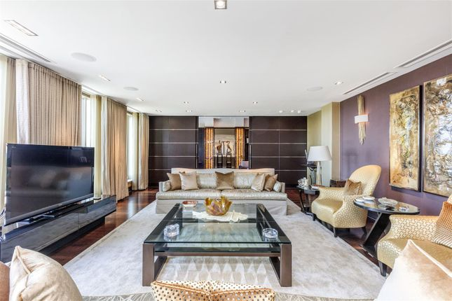 Flat for sale in Penthouse, Lanson Building, Chelsea Bridge Wharf, London