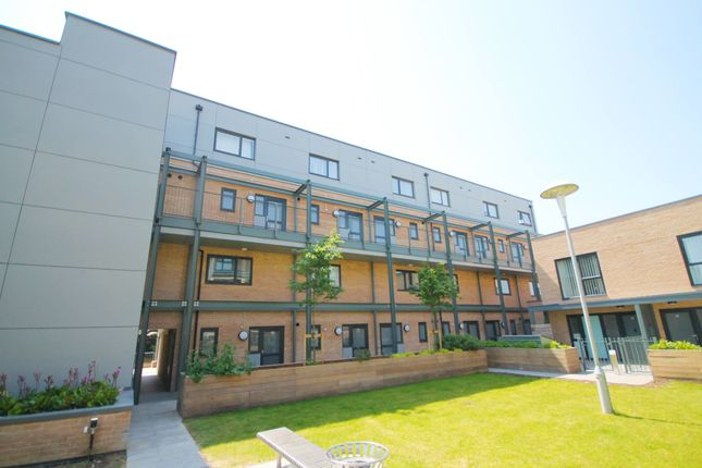 Thumbnail Duplex for sale in Flamsteed Close, Cambridge