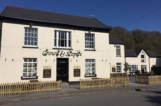 Thumbnail Pub/bar to let in Main Road, Cadoxton, Neath