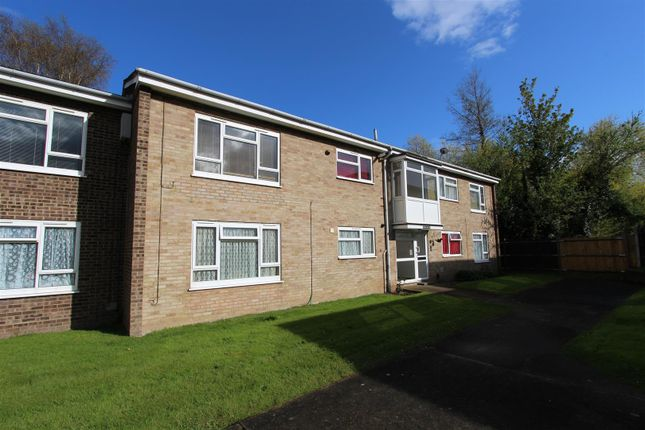 Thumbnail Flat to rent in Peregrine Drive, Sittingbourne