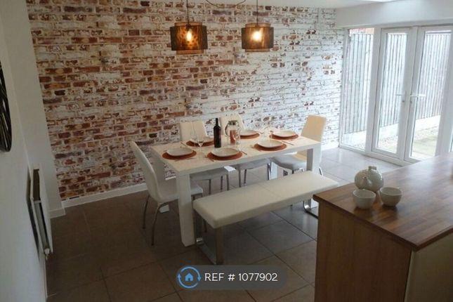 Room to rent in School Avenue, Basildon SS15