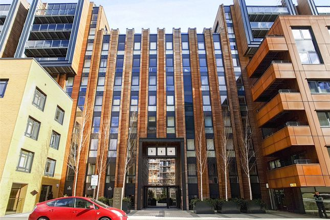 Thumbnail Property to rent in The Cooper Building, 36 Wharf Road, London