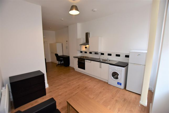 Lounge/Kitchen of York Road, Leicester LE1