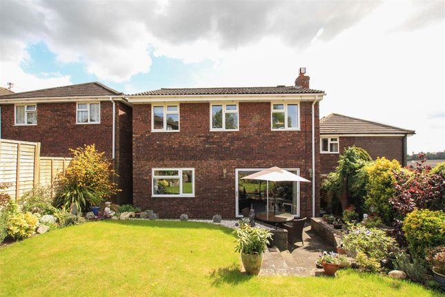 Thumbnail Detached house for sale in Dorriens Croft, Northchurch, Berkhamsted
