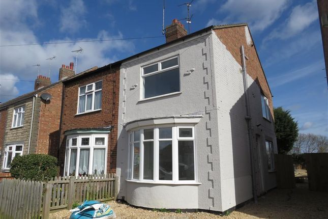 4 bed property to rent in Churchfield Road, Peterborough PE4