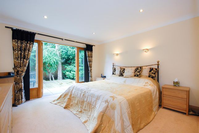 Downstairs Bed of Kinkellas, 25 Glamis Drive, Dundee DD2