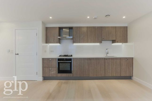 1 bed flat to rent in Gerrard Street, Soho