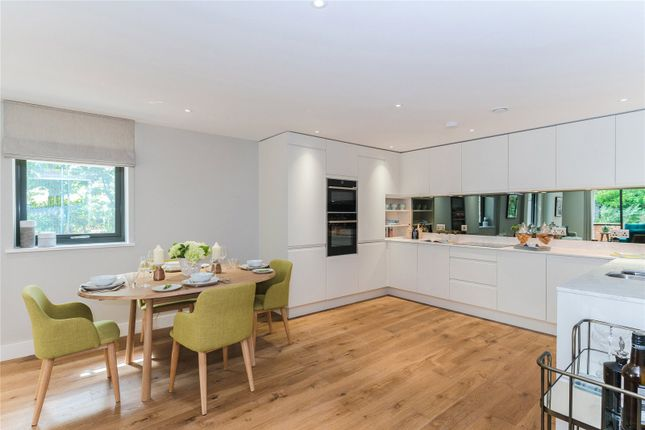 Thumbnail Flat for sale in Marsham House, Station Road, Gerrards Cross, Buckinghamshire