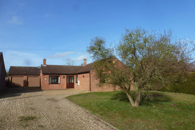 Thumbnail Bungalow to rent in Methwold Road, Northwold, Thetford