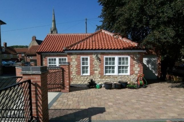 Thumbnail Detached bungalow to rent in Middlemore Yard, Castlegate, Grantham