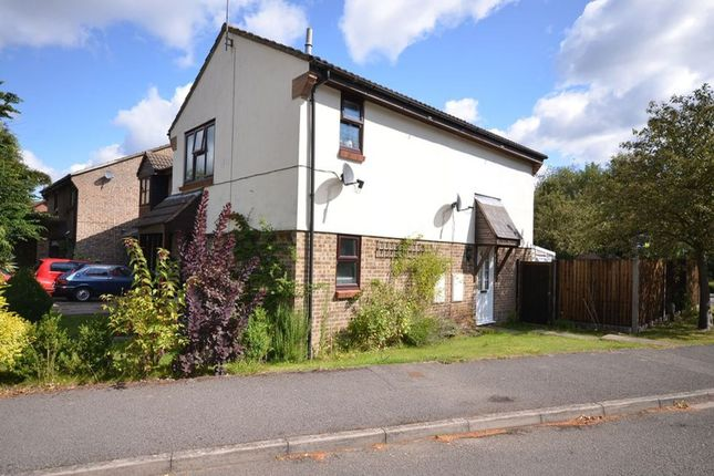 Thumbnail Semi-detached house to rent in Chisbury Close, Bracknell