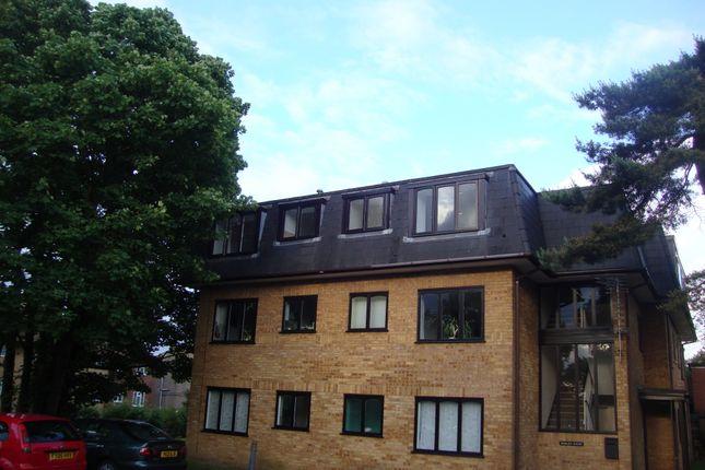 Thumbnail Flat to rent in Hillingdon Avenue, Sevenoaks