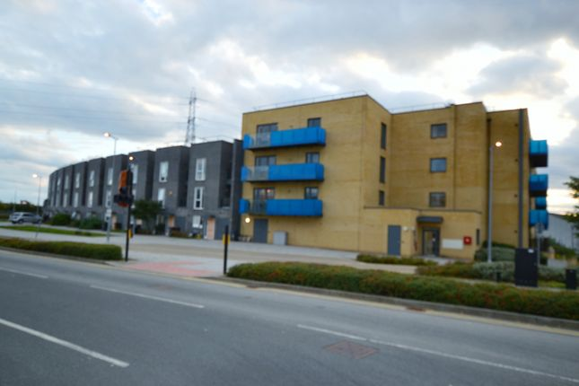 2 bed flat for sale in Crossness Road, Barking IG11