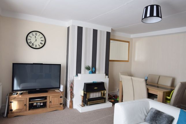Thumbnail Flat to rent in Lloyd Terrace, Chickerell Road, Chickerell, Weymouth