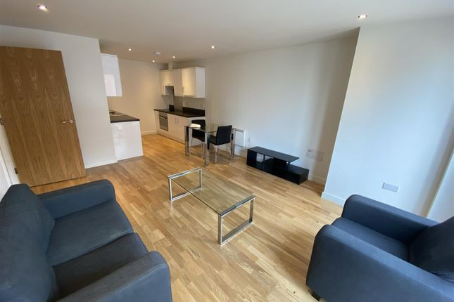 Thumbnail Flat to rent in The Rock, Bury