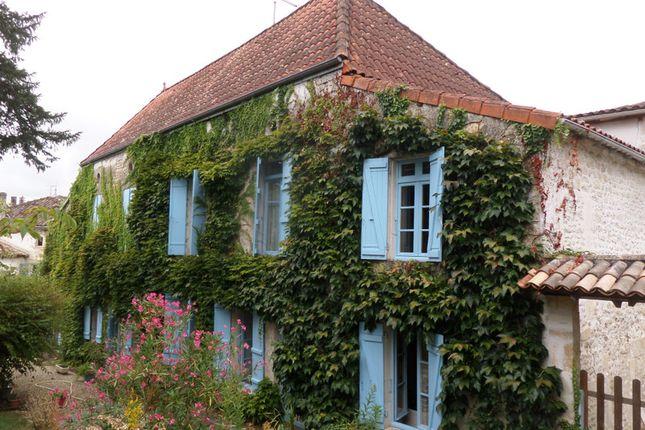 Thumbnail Villa for sale in Jonzac, Charente-Maritime, Nouvelle-Aquitaine
