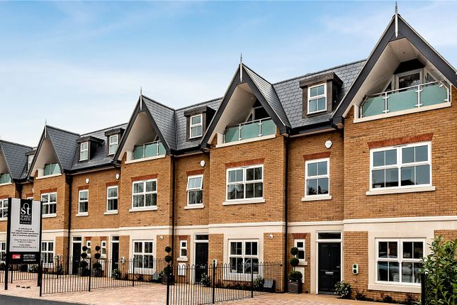 Thumbnail Town house for sale in St Marks Road, Windsor, Berkshire