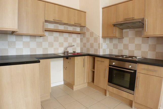 Thumbnail Flat to rent in Milbrook Street, Swansea