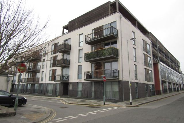 Thumbnail Flat to rent in Brittany Street, Millbay, Plymouth