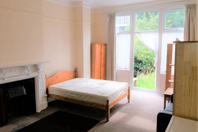 Thumbnail Room to rent in Dukes Avenue, London