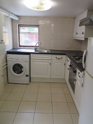 Thumbnail Terraced house to rent in Long Lane, Finchley Central, London