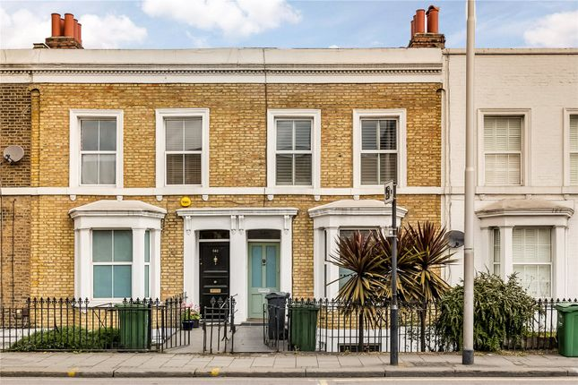 Thumbnail Terraced house for sale in Wandsworth Road, London
