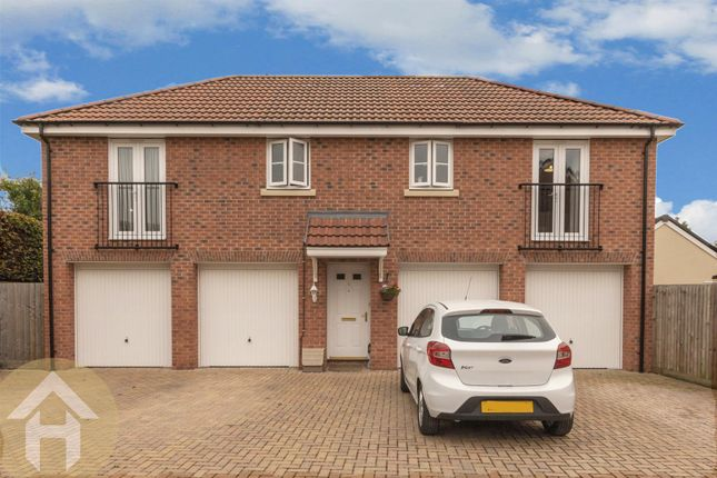 Thumbnail Flat for sale in Buxton Way, Royal Wootton Bassett, Swindon