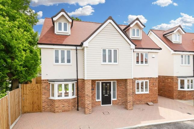 Thumbnail Detached house for sale in Oak Hill Road, Stapleford Abbotts, Romford
