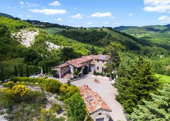 Thumbnail Farmhouse for sale in 06014 Montone Pg, Italy