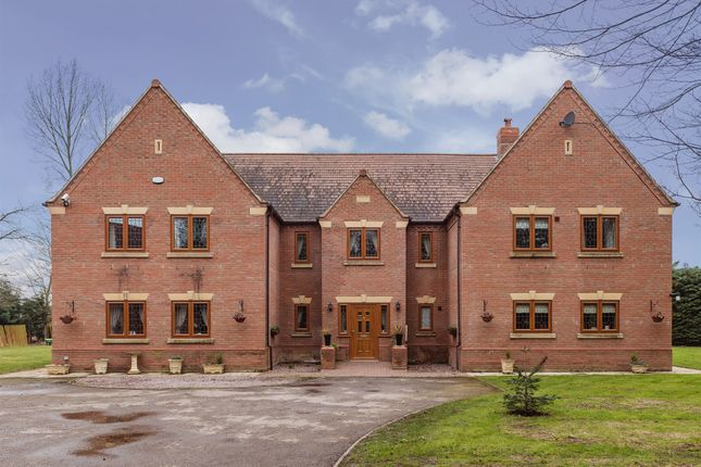 6 bed detached house for sale in East Road, Sleaford