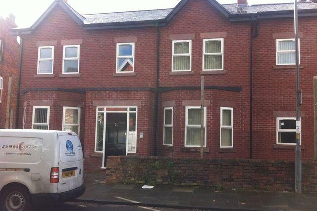 Thumbnail Flat to rent in Sandringham Road, Waterloo, Liverpool