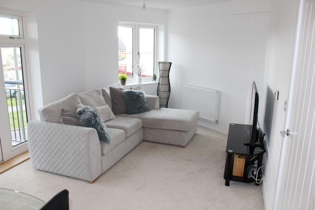 2 bed flat for sale in Jubilee Drive, Church Crookham, Fleet GU52