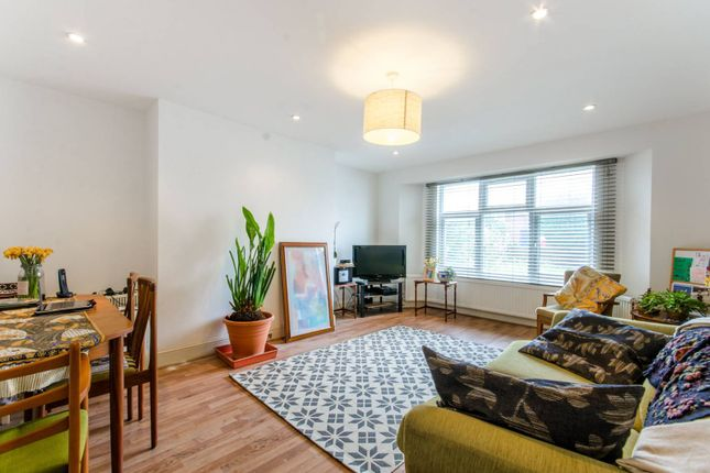 Thumbnail Flat for sale in Woodland Road, New Southgate