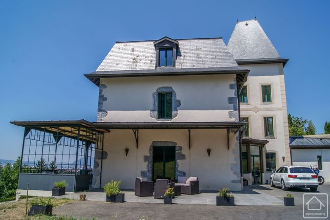 Thumbnail Chalet for sale in Veyrier Du Lac, Haute Savoie, France, 74290