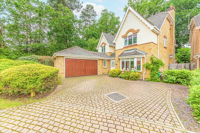 Thumbnail Detached house for sale in Queens Ride, Crowthorne